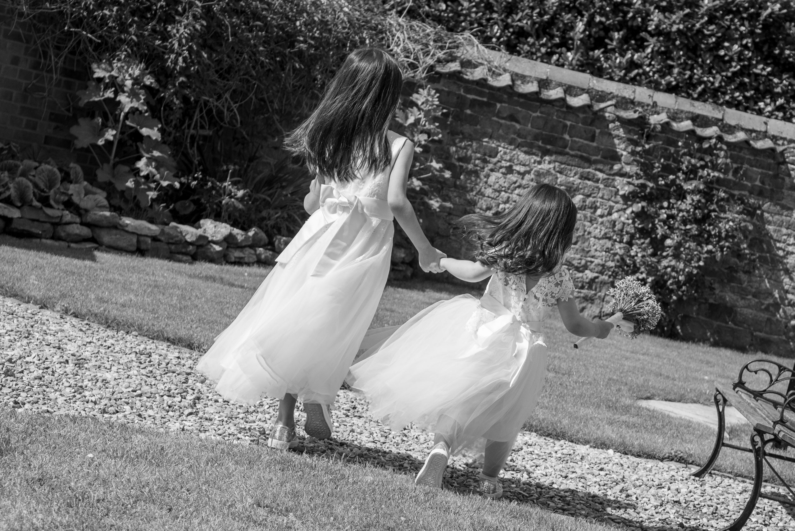 Wedding photogrphy child guests